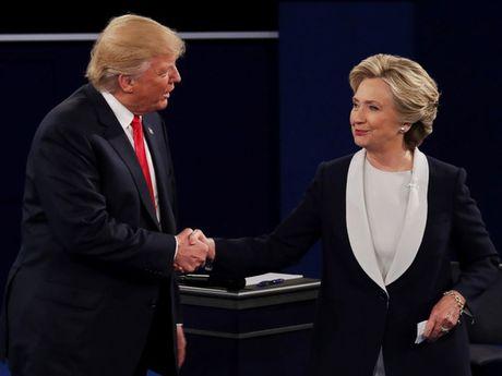 Ong Trump, ba Clinton tiep tuc cong kich nhau sau cuoc tranh luan - Anh 1