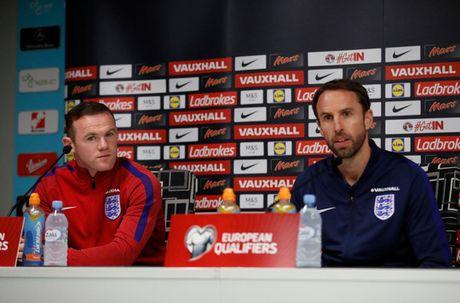 Rooney chang xau ho khi mat suat da chinh tuyen Anh - Anh 1