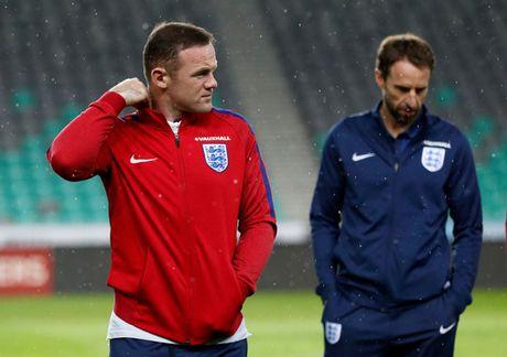 Rooney chang xau ho khi mat suat da chinh tuyen Anh - Anh 2