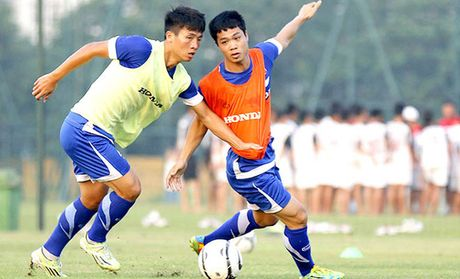 HLV Huu Thang bo sung trung ve Bui Tien Dung - Anh 1