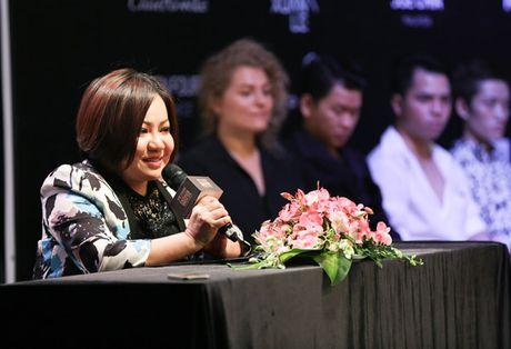 Trang 'do' Next Top sang chanh tren san dien - Anh 8