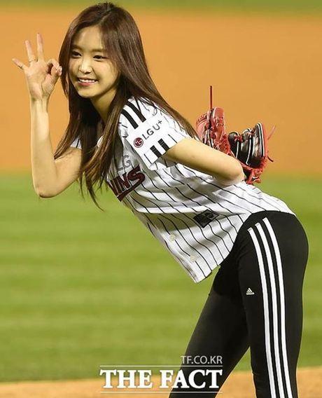 Na Eun duoc khen mac legging dep hoan hao - Anh 3