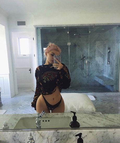 Cach Kylie Jenner dap tra khi bi vi nhu 'gai goi' - Anh 1