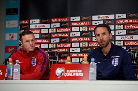 Rooney tu choi toi Dubai huong thu, muon thi dau toi nam… 40 tuoi - Anh 1