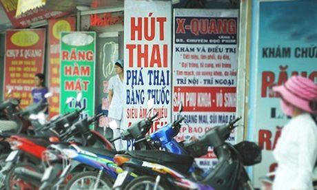 Trung binh moi phu nu Viet Nam trai qua 2,5 lan nao thai trong doi - Anh 1