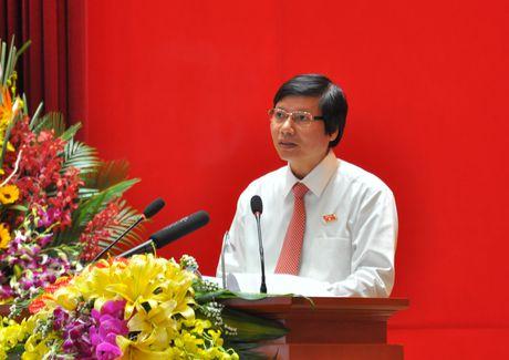 Chan dung Chu tich HDND tinh Hoa Binh Tran Dang Ninh - Anh 1