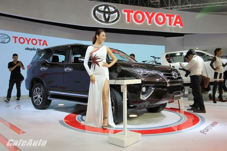 39.034 xe Toyota duoc ban ra tai Viet Nam trong 9 thang - Anh 1