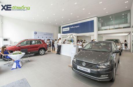 Volkswagen Viet Nam giam gia 151 trieu dong cho xe Passat - Anh 2