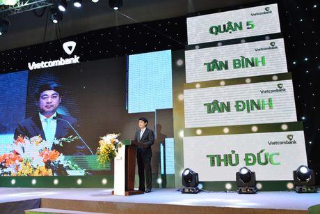 Vietcombank to chuc Le ky niem 10 nam thanh lap 8 chi nhanh tai TP.HCM - Anh 1