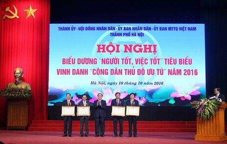"""Nhan len nhung guong """"Nguoi tot, viec tot"""" - Anh 2"""