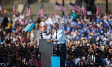 Tong thong Obama tien hanh van dong cho Hillary Clinton - Anh 1