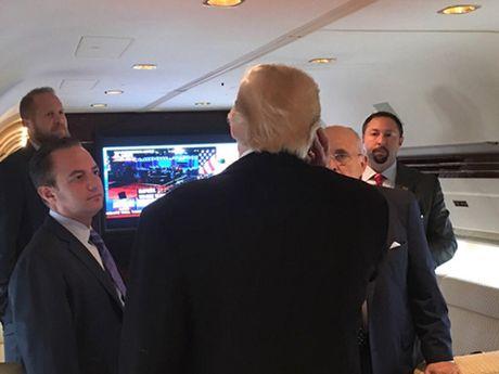 Ngay chu nhat bao to cua Donald Trump - Anh 2