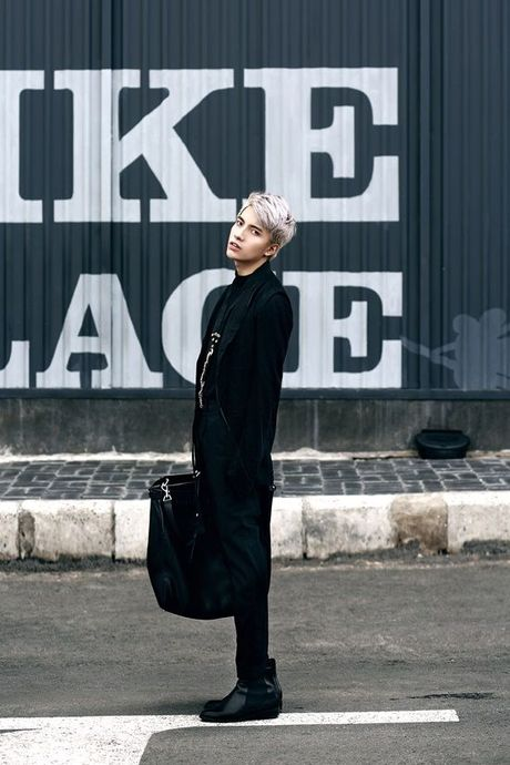Kye Nguyen goi y outfit cho ngay giao mua cung loat thiet ke cua Chung Thanh Phong - Anh 1