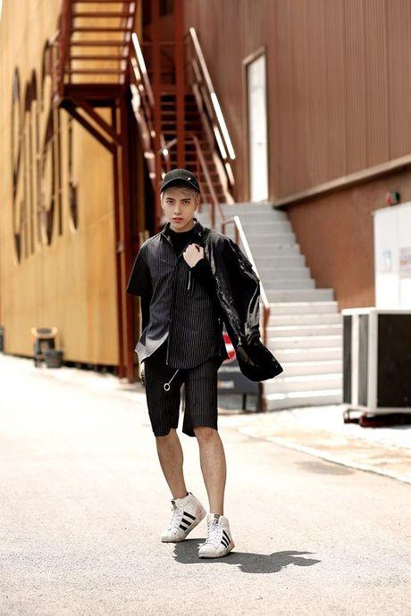 Kye Nguyen goi y outfit cho ngay giao mua cung loat thiet ke cua Chung Thanh Phong - Anh 7