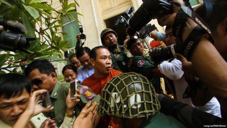 Nghi si doi lap Campuchia linh an vi 'bop meo' bien gioi voi Viet Nam - Anh 1