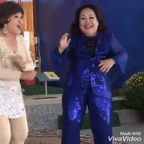 Diem My 9x ho bao gay nhuc mat; NSND Ngoc Giau doc rap, nhay hip hop cuc sung - Anh 3