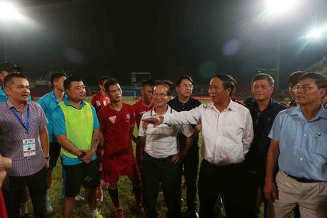 HLV Truong Viet Hoang uu tien dan dat Hai Phong - Anh 2