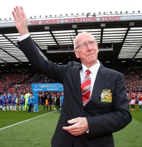 Bobby Charlton: Tuong dai song o Old Trafford - Anh 4