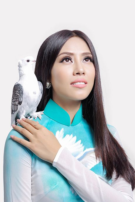 Nguyen Thi Loan keu goi 'Cham dut chien tranh va bao luc' tai Hoa hau Hoa binh 2016 - Anh 2