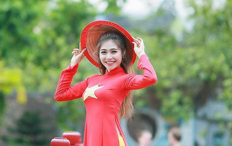 Hoa khoi sinh vien Ha Noi so thi phi bua vay, dan mang 'nem da' - Anh 3