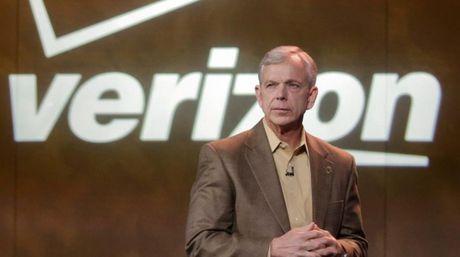 CEO Verizon phu nhan chuyen doi ha gia mua lai Yahoo - Anh 1