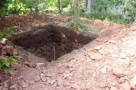 Thay gi khi khai quat khu vuc mo vua Quang Trung - Anh 2