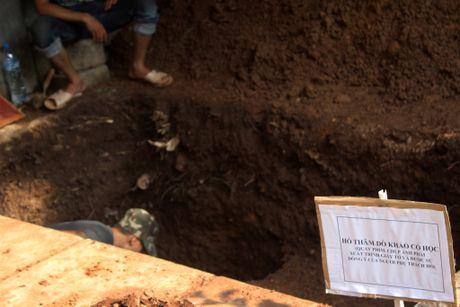 Thay gi khi khai quat khu vuc mo vua Quang Trung - Anh 3