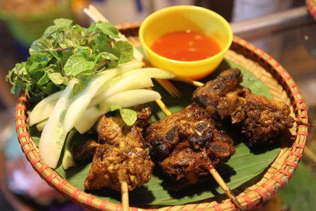 Mon nuong kieu Sa Pa hut khach o Ha Noi - Anh 7