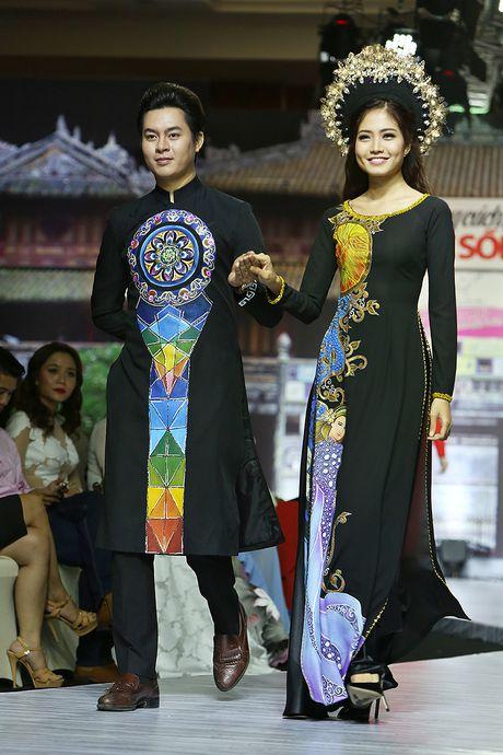 A hau Trinh Kim Chi lam vedette tren san dien thoi trang - Anh 6