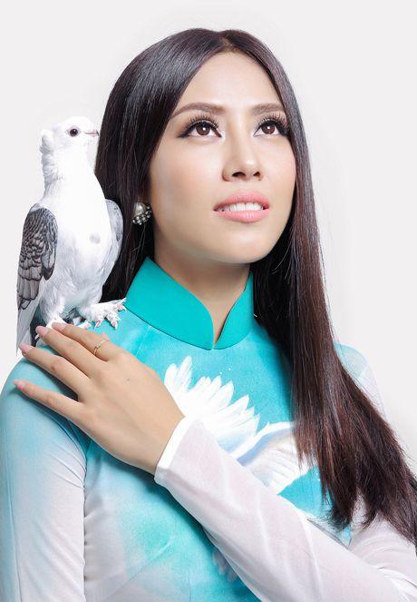 Nguyen Loan mang thong diep hoa binh den Miss Grand - Anh 1