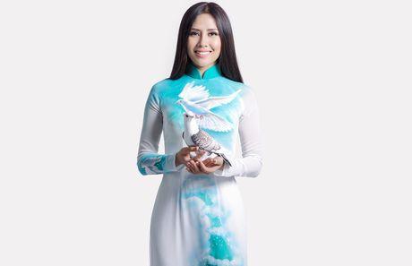 Nguyen Loan mang thong diep hoa binh den Miss Grand - Anh 2