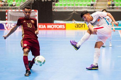 Sieu pham cua Minh Tri dep thu nhi futsal World Cup 2016 - Anh 1
