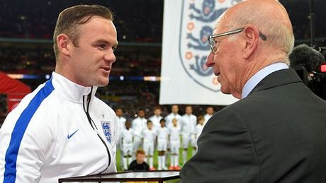 Rooney nen lam gi khi phai ngoi du bi? - Anh 5