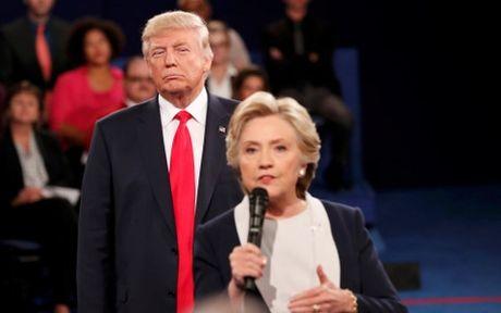 'So gang' lan 2: Trump co thuc su chien thang Clinton? - Anh 1