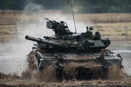 Tang T-90 Nga se dung 'mat than', tu dong khoa muc tieu - Anh 1