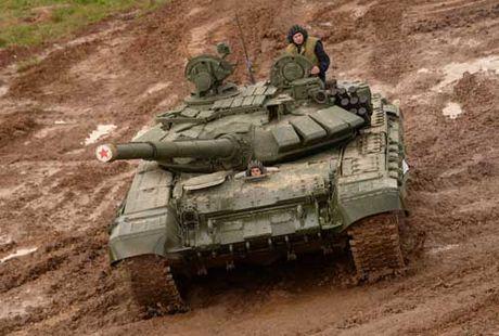 Tang T-90 Nga se dung 'mat than', tu dong khoa muc tieu - Anh 2