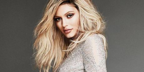 Kylie Jenner - Co em gai boc lua tung khien CR7 dien dao - Anh 2