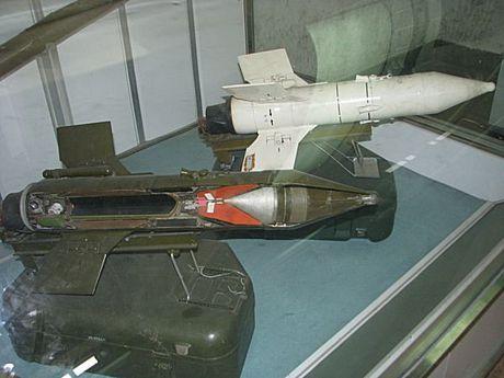 Cuc hiem canh BMP-1 ban ten lua chong tang AT-3 - Anh 6