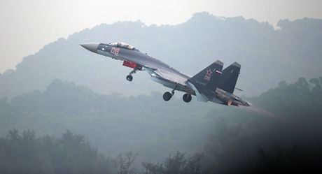 Muon lai Su-35, phi cong Trung Quoc phai hoc tieng Nga - Anh 1