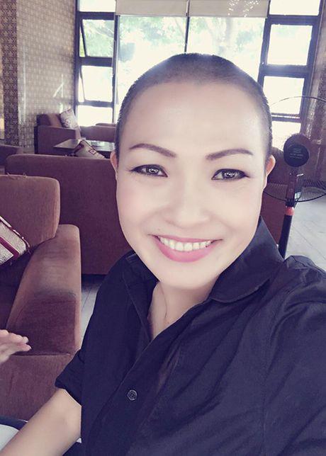 Hinh anh MC Phan Anh xuong toc trong chuyen di chau Phi - Anh 9