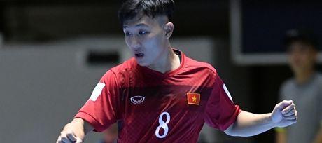 "Sieu pham cua cau thu futsal Viet Nam danh bai ""Vua futsal"" Falcao - Anh 1"
