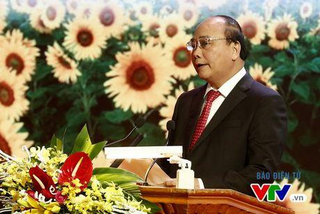 Vinh danh 100 doanh nhan Viet Nam tieu bieu 2016 - Anh 2