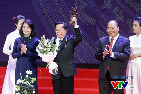 Vinh danh 100 doanh nhan Viet Nam tieu bieu 2016 - Anh 4