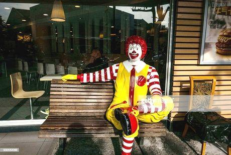 Hang do an nhanh McDonald rut linh vat do trao luu gia he - Anh 2