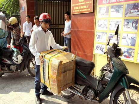 Ha Noi: Kien quyet xu ly triet de cac loai xe cho hang cong kenh - Anh 5