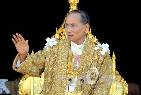 Tinh hinh suc khoe Nha Vua Thai Lan khong on dinh - Anh 1