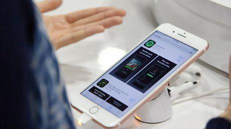 Doanh so iPhone se tang 8 trieu may nho Galaxy Note 7 - Anh 1