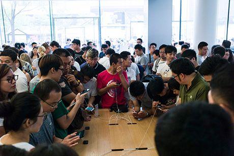 Doanh so iPhone se tang 8 trieu may nho Galaxy Note 7 - Anh 2