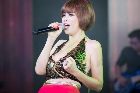 Cuoc song hien tai it nguoi biet cua 'nguoi dan ba hat nhac Phu Quang' - Anh 3