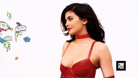 Em gai 19 tuoi cua Kim Kardashian tao bao va nong bong - Anh 13